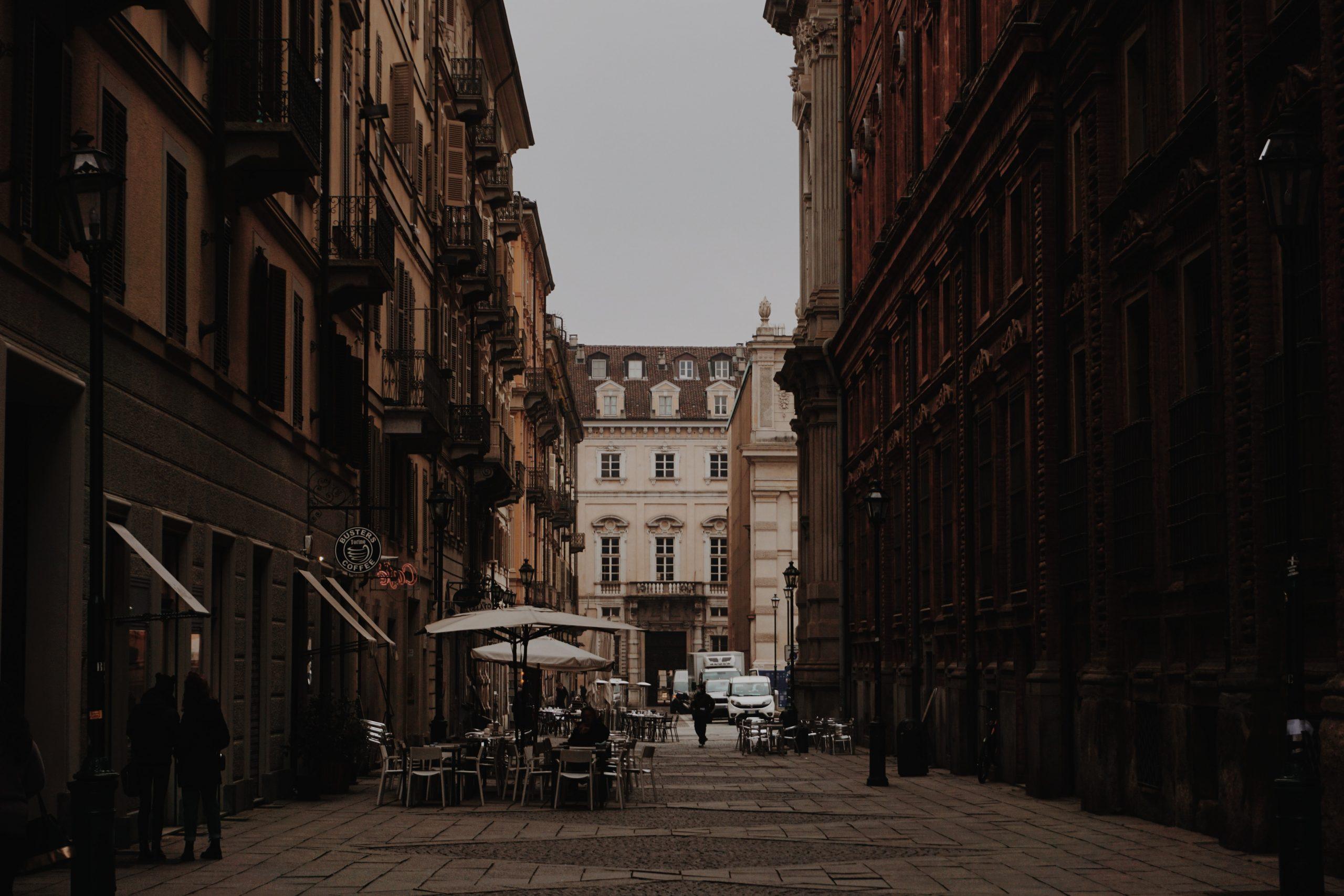 Torino non esiste, Milano è alla rovescia