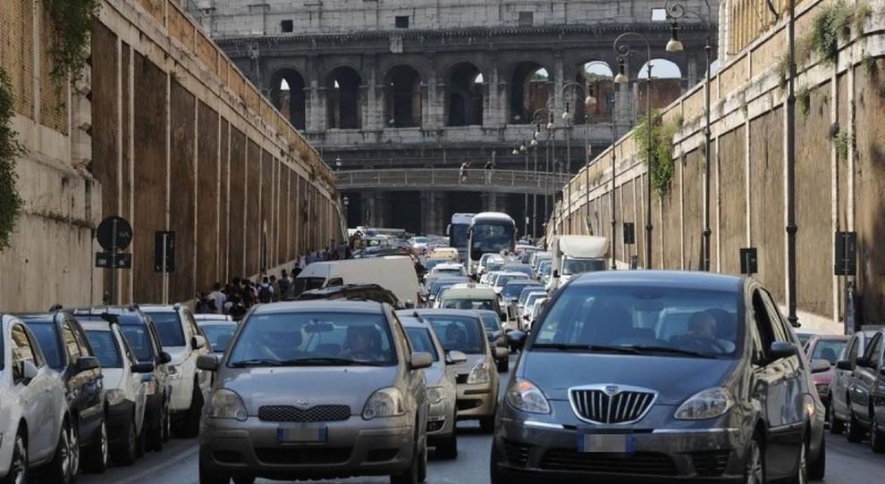 Salvata dal traffico: Roma di nuovo eterna