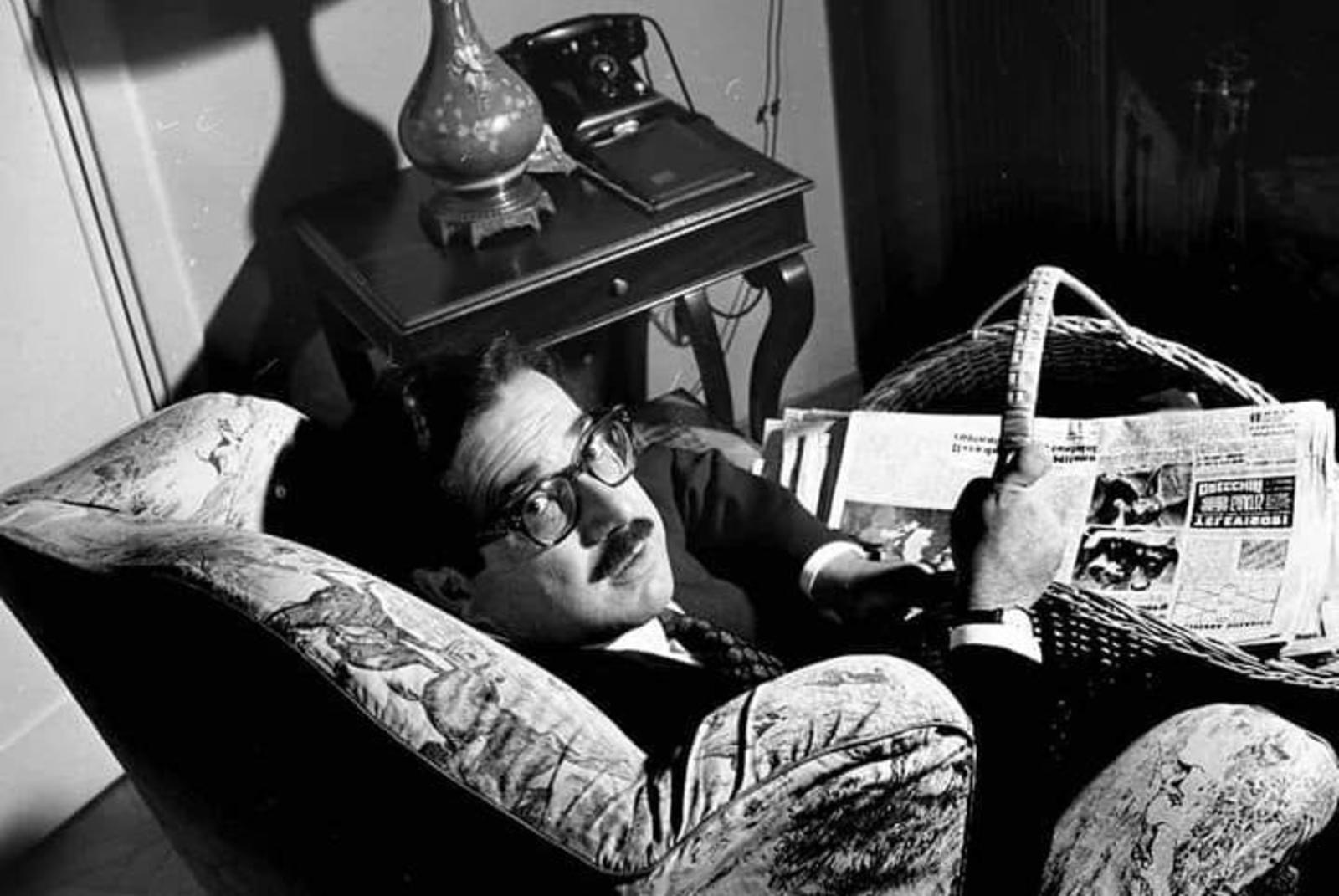 Una foto d'epoca di Ennio Flaiano.
